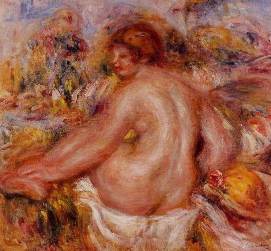 После купания, обнажённая сидящая девушка
