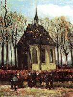 Прихожане покидающие реформатскую церковь в Нюэнене