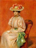 Сидящая женщина в голубом