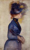 Девушка в ярко синем в консерватории