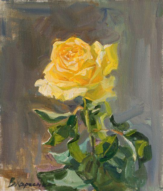 Желтая роза расцвела