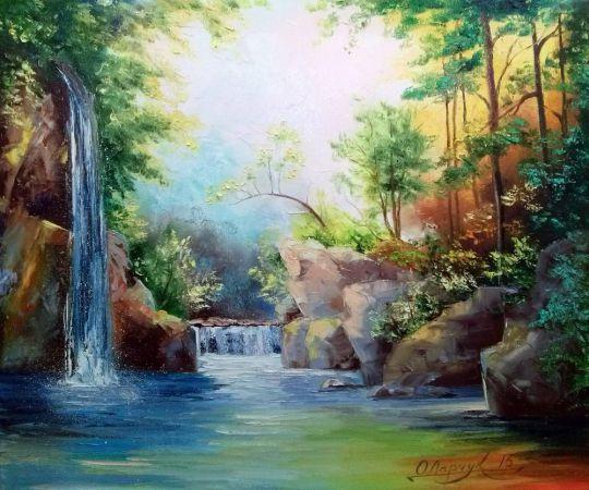 В лесу у водопада