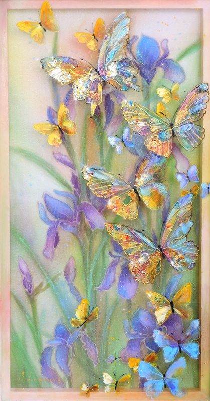 Весна..бабочки..ирисы..