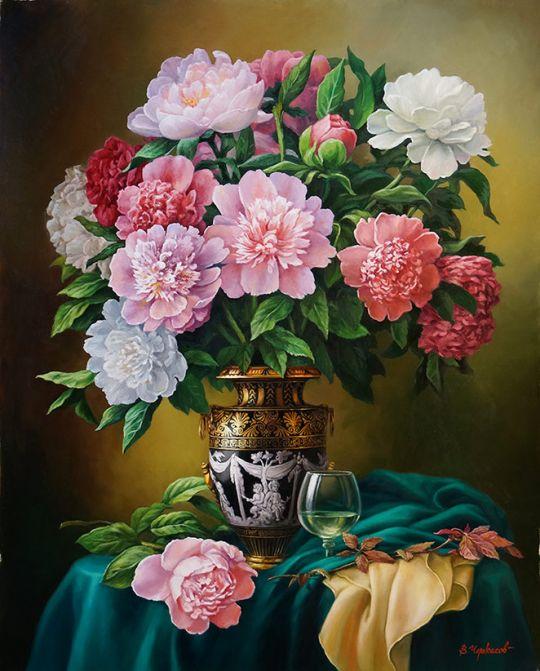 Цветы в античной вазе