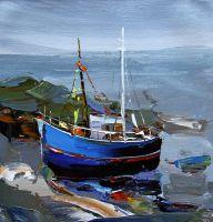 Рыбачья лодка на фоне берега