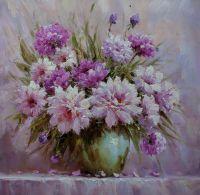 Розовые пионы в зеленой вазе