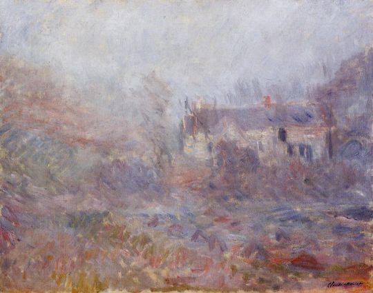Дома у Falaise в тумане