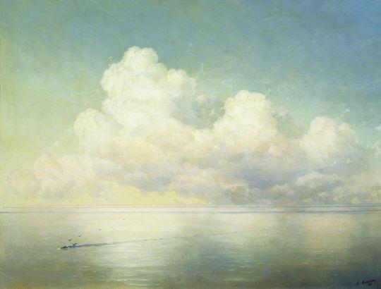 Облака над морем. Штиль