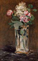 Цветы в хрустальной вазе