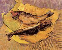 Натюрморт: копченая селедка на куске желтой бумаги