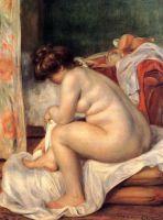 Женщина после купания