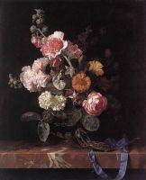 Ваза с цветами и часы