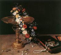 Натюрморт с венком и золотым сосудом
