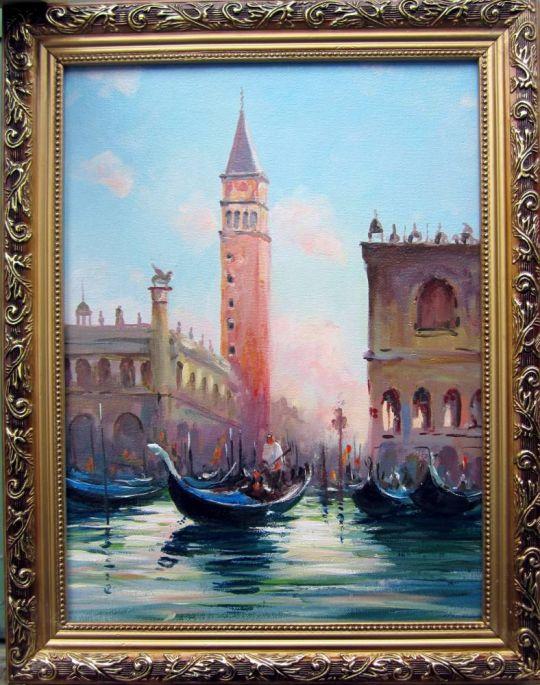 Венеция. Колокольня собора Сан-Марко на закате.
