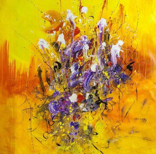 Ирисы на желтом фоне