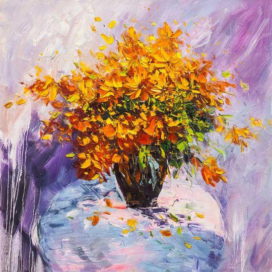 Букет желтых цветов в вазе
