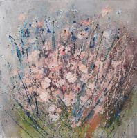 розовые хризантемы на сером