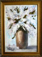 Сирень в глиняной вазе