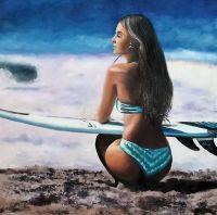 Девушка с доской для серфинга