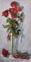 красные розы и темный шоколад