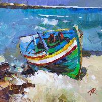 Зеленая лодка на берегу