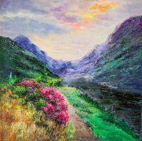 Цветущая тропинка среди гор