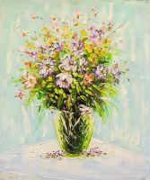 Весенний букет в стеклянной вазе
