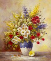 Букет из садовых цветов в вазе