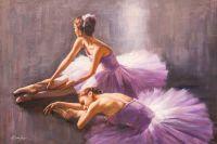 Две балерины перед выступлением