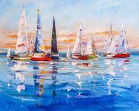 Разноцветные яхты в синем море